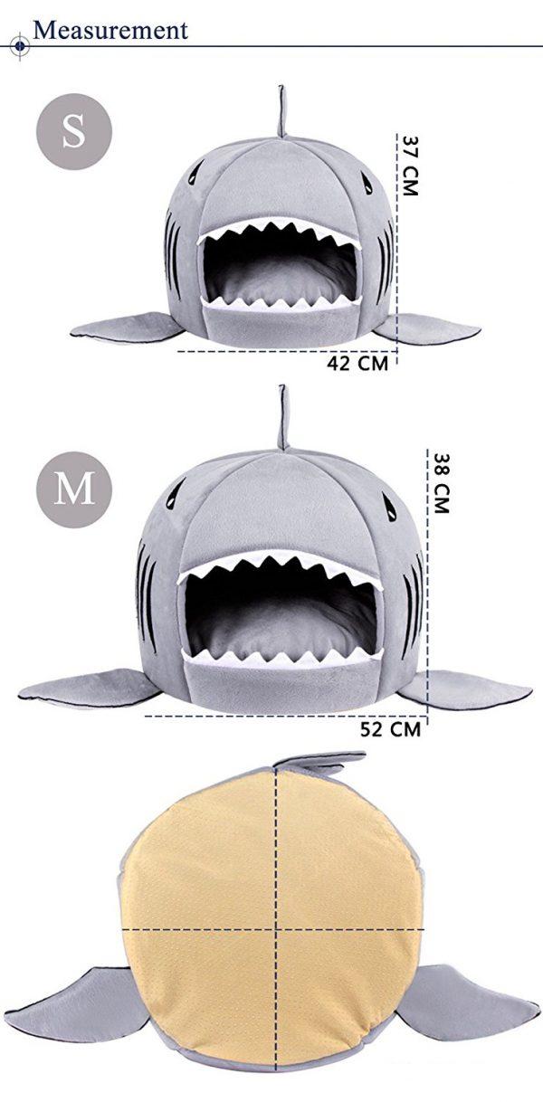 Cama para perros en forma de tiburón