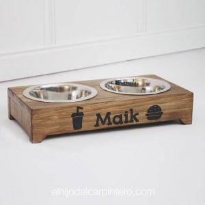 Comerdero de madera para perros con nombre