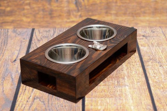 Comerdero de madera y acero para perros