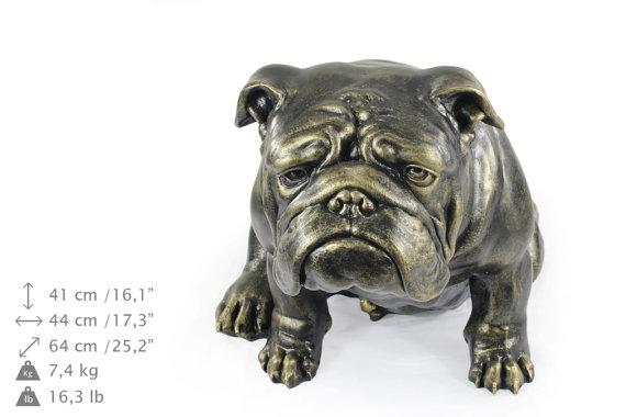 Escultura de Bulldog Inglés a tamaño natural